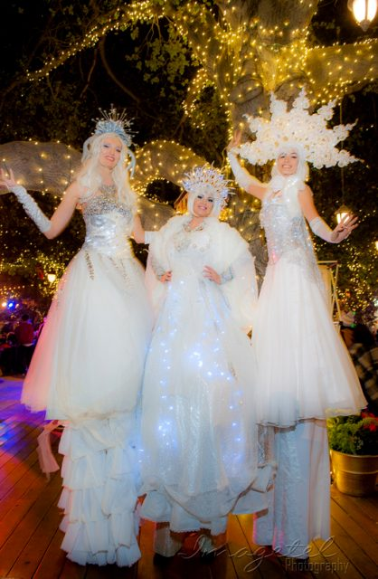 3SnowQueens_treelighting